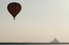 mont-st-michel-montgolfiere.jpg